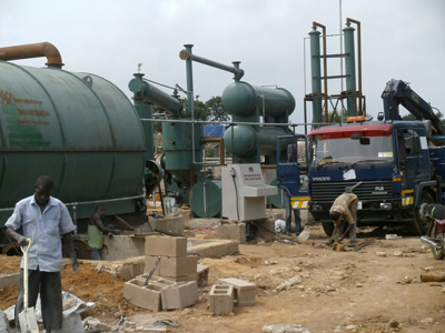 Our engineer in Nigeria install waste tire recycling pyrolysis machine