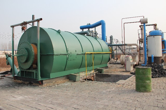 Latest generation tyre disposal pyrolysis machine