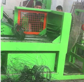 Tire steel wire pulling machine