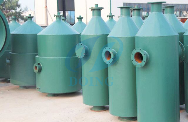 Pyrolysis plant catalytic chamber