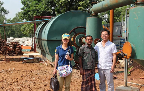 Our engineer Mr Zheng in Jamaica will finish Installation waste tire pyrolysis p...