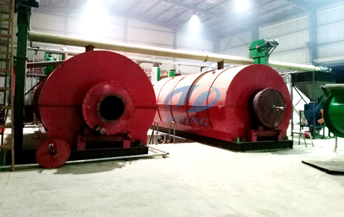 Chongqing costumer's 4 sets 12T/D waste tire pyrolysis plants were put into pro...