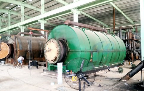 6 sets 12T/D used tyre pyrolysis plants running well in Hunan