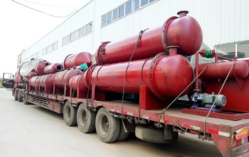 Plastic to oil machine and pyrolysis oil distillation plant delivered to Columbi...