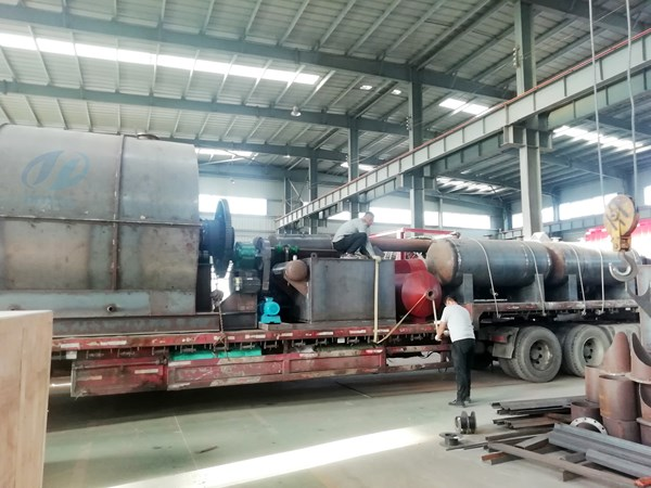 Waste tire to fuel oil pyrolysis plant delivered to Hebei