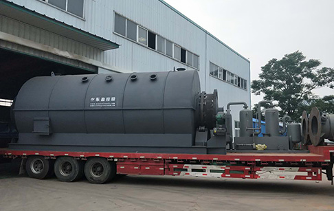 12TPD batch plastic to oil conversion machine was sent to Romania
